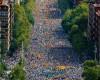西班牙巴塞罗那两百万人举行大游行,推动加泰罗尼亚独立公投